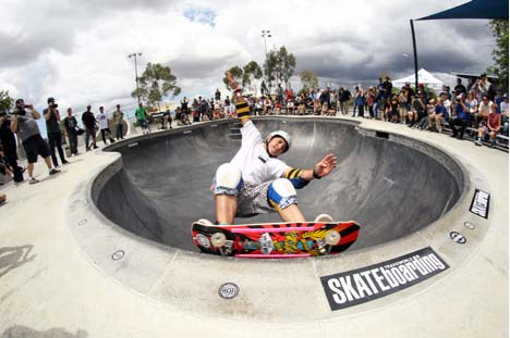 The Legends Bowl Contest highlighted the industry legends like Christian Hosoi who won the contest and donated 100% of his winnings to the Sheckler Foundation.